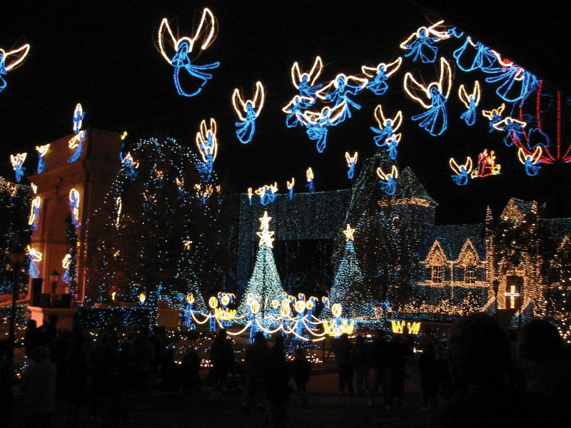Mcadenville Christmas Lights.Mcadenville Christmas And Concord Mills Holiday Tours